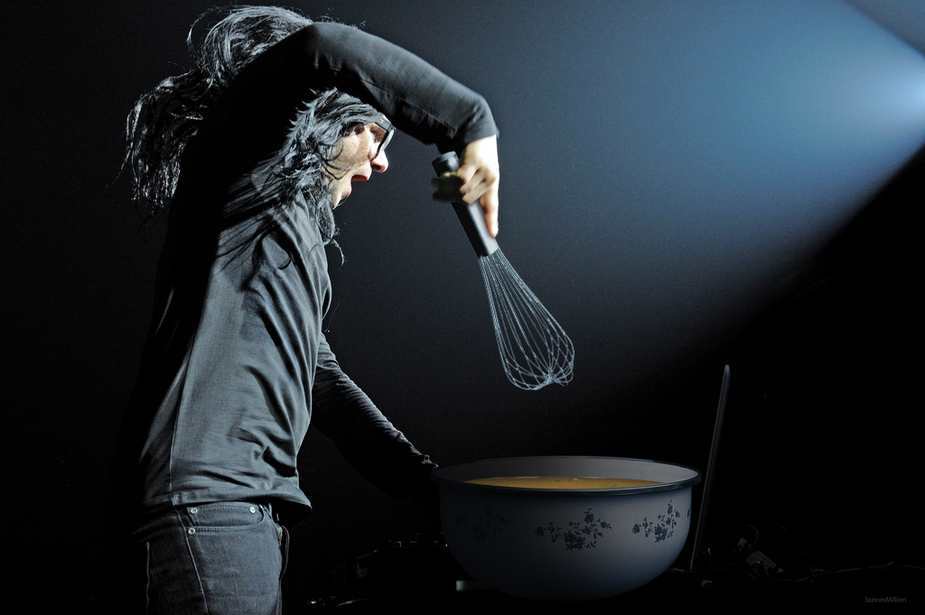 cooking with skrillex (via Tumblr)