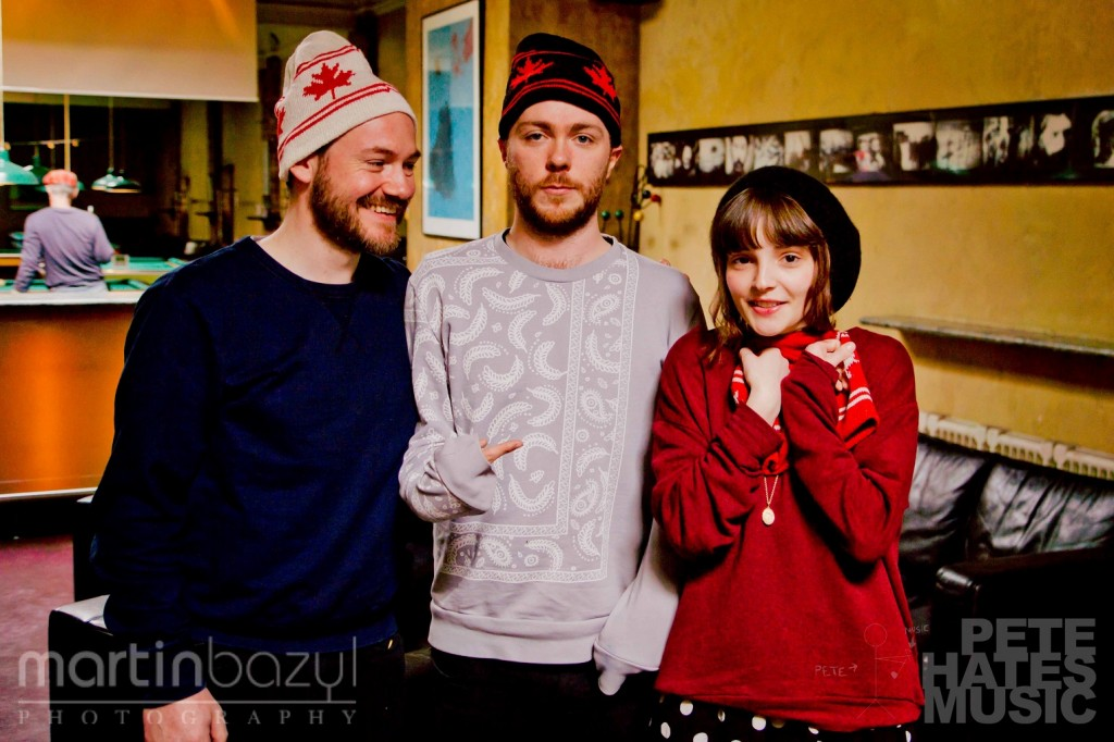CHVRCHES with toques (Copyright: PeteHatesMusic / Martin Bazyl Photography)