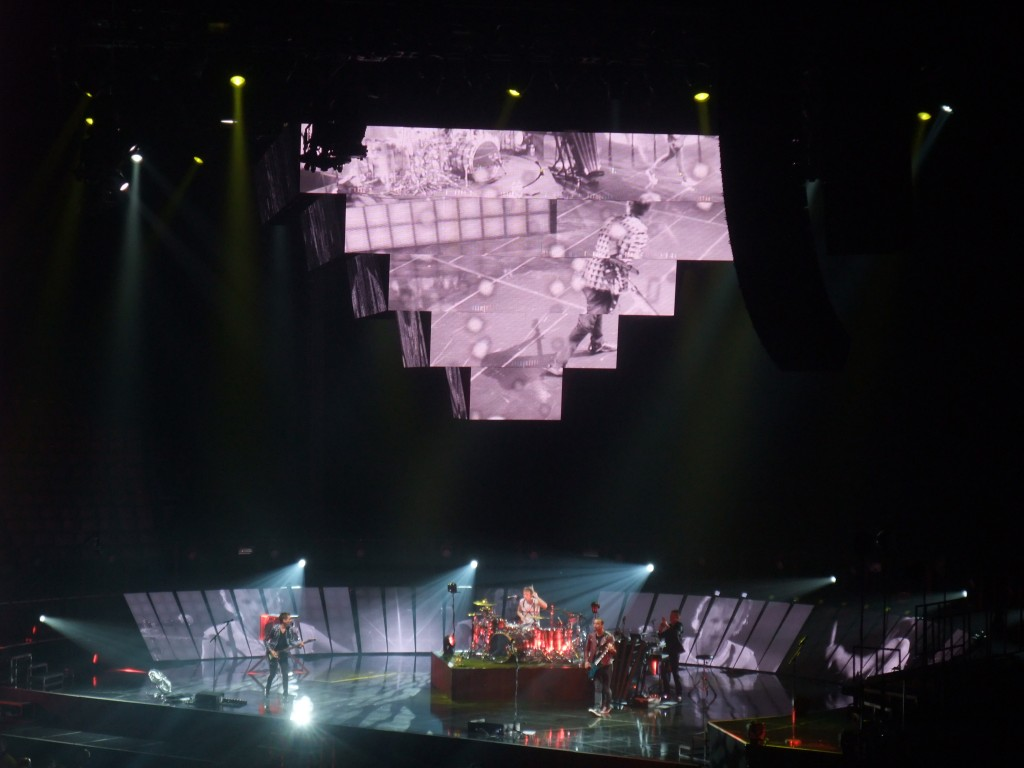 Muse at the Air Canada Centre, Toronto (Copyright: PeteHatesMusic)
